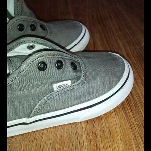 Ķids tennis shoes vans  size 9